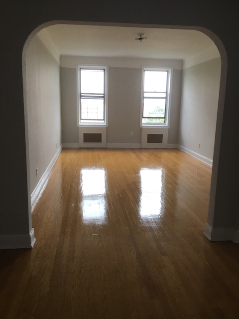 2 Bedrooms, Jamaica Estates Rental in NYC for $2,400 - Photo 1