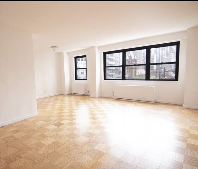2 Bedrooms, Burnside Rental in Chicago, IL for $5,600 - Photo 1