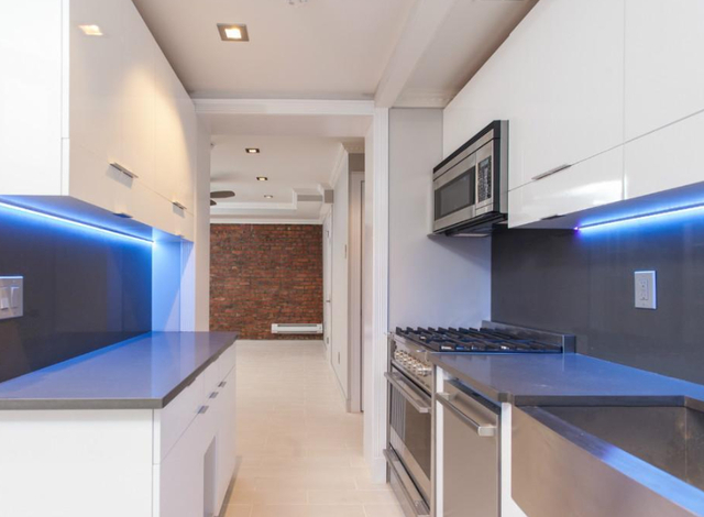 3 Bedrooms, East Village Rental in NYC for $6,504 - Photo 1