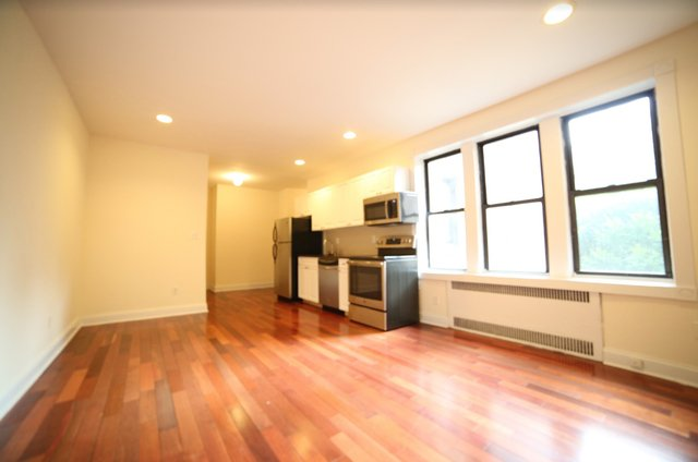 2 Bedrooms, Inwood Rental in NYC for $2,475 - Photo 1