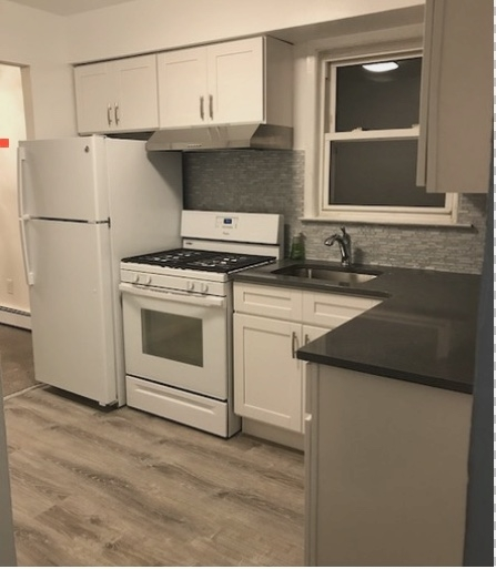 3 Bedrooms, Forest Hills Rental in NYC for $2,500 - Photo 2