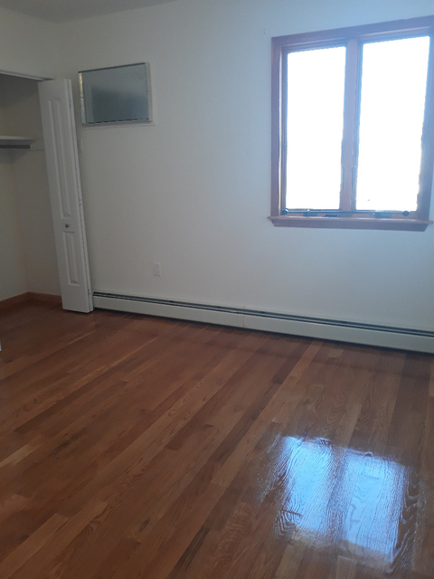 2 Bedrooms, Old Howard Beach Rental in NYC for $2,000 - Photo 2