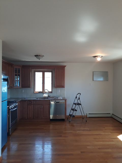 2 Bedrooms, Old Howard Beach Rental in NYC for $2,000 - Photo 1