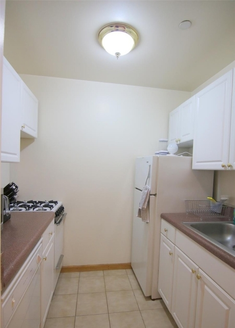 Studio, Upper West Side Rental in NYC for $2,325 - Photo 2