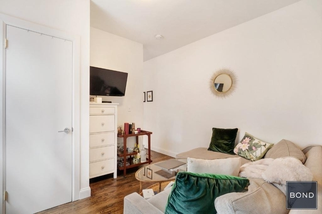 1 Bedroom, Little Italy Rental in NYC for $2,745 - Photo 2