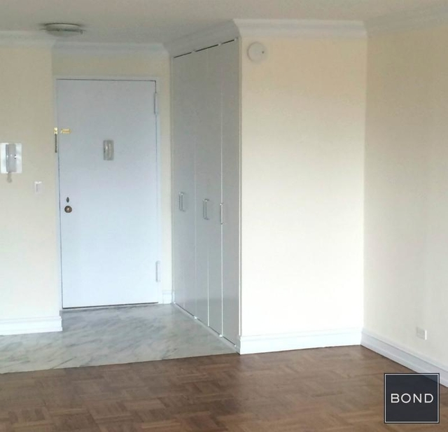 Studio, Theater District Rental in NYC for $2,445 - Photo 2