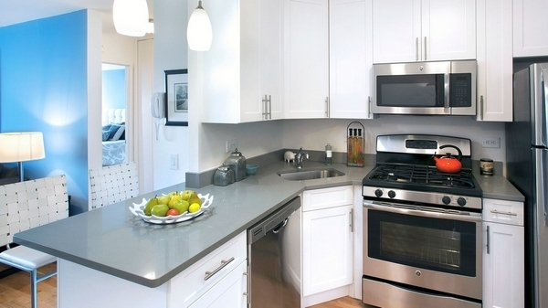 2 Bedrooms, Battery Park City Rental in NYC for $5,640 - Photo 2