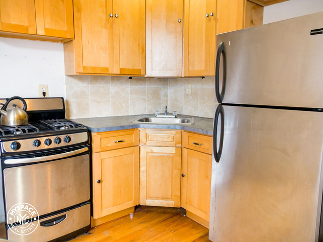 3 Bedrooms, Williamsburg Rental in NYC for $2,267 - Photo 1