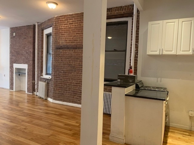 Studio, East Village Rental in NYC for $4,595 - Photo 2