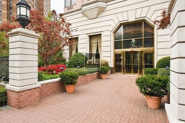 3 Bedrooms, Yorkville Rental in NYC for $6,795 - Photo 1
