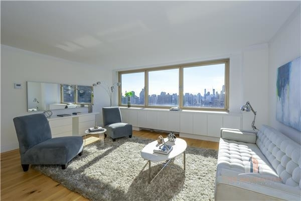 4 Bedrooms, Yorkville Rental in NYC for $13,000 - Photo 2