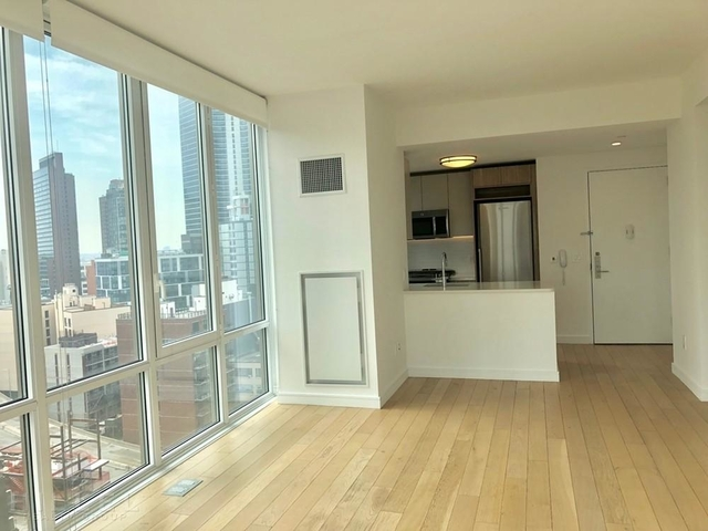 2 Bedrooms, Long Island City Rental in NYC for $5,000 - Photo 2
