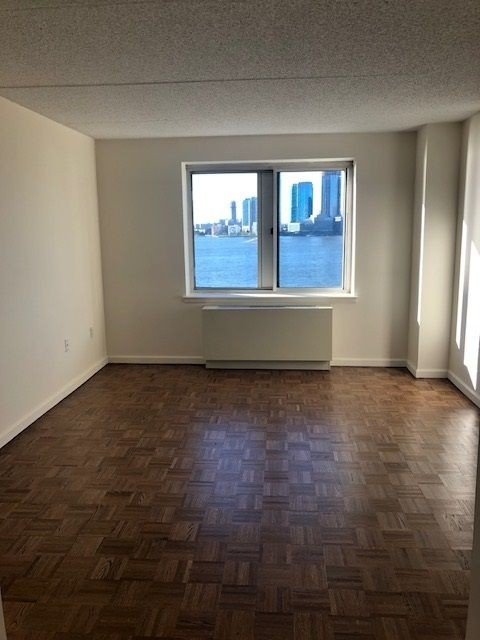 1 Bedroom, Battery Park City Rental in NYC for $3,250 - Photo 2
