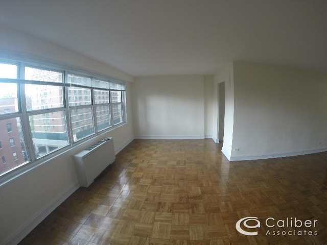 Studio, Theater District Rental in NYC for $2,800 - Photo 1
