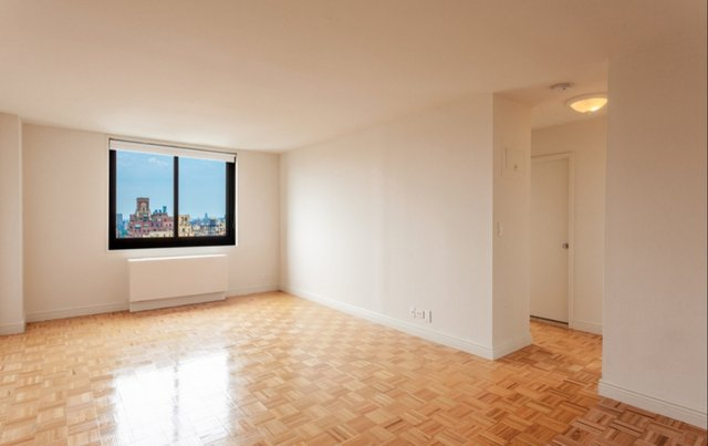 2 Bedrooms, Upper East Side Rental in NYC for $3,995 - Photo 2