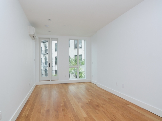 1 Bedroom, Crown Heights Rental in NYC for $2,486 - Photo 2