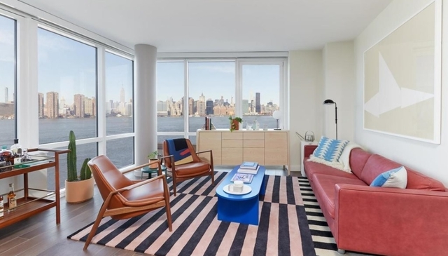 2 Bedrooms, Greenpoint Rental in NYC for $5,000 - Photo 1