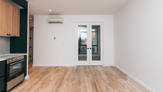 3 Bedrooms, Greenpoint Rental in NYC for $4,584 - Photo 2