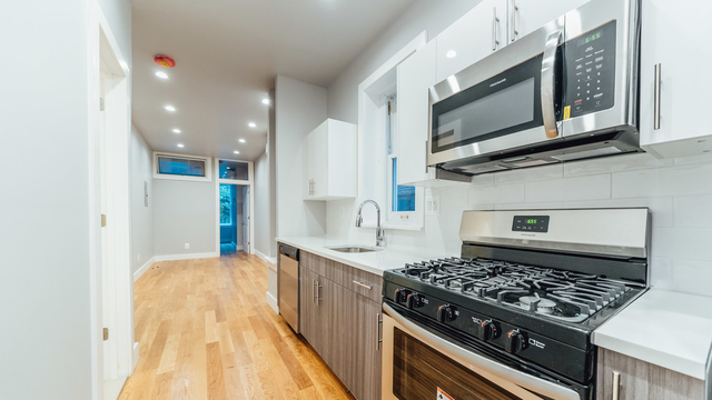 3 Bedrooms, Williamsburg Rental in NYC for $5,600 - Photo 1