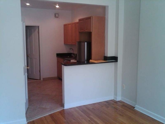 Studio, Hell's Kitchen Rental in NYC for $1,950 - Photo 2