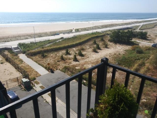 2 Bedrooms, Far Rockaway Rental in Long Island, NY for $2,299 - Photo 2