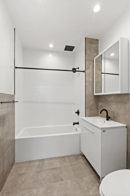2 Bedrooms, Mott Haven Rental in NYC for $3,095 - Photo 2