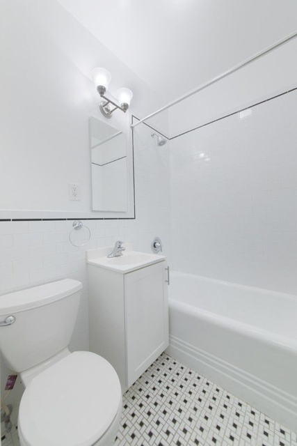 Studio, Upper East Side Rental in NYC for $2,256 - Photo 2