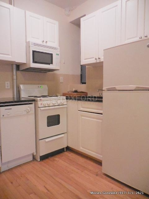 2 Bedrooms, East Village Rental in NYC for $3,330 - Photo 2