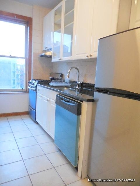 1 Bedroom, West Village Rental in NYC for $2,725 - Photo 2