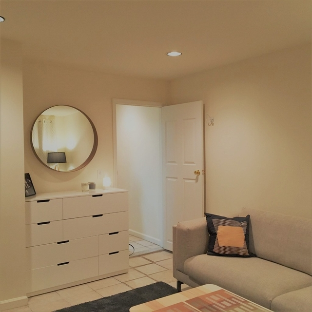 2 Bedrooms, Carnegie Hill Rental in NYC for $2,358 - Photo 2