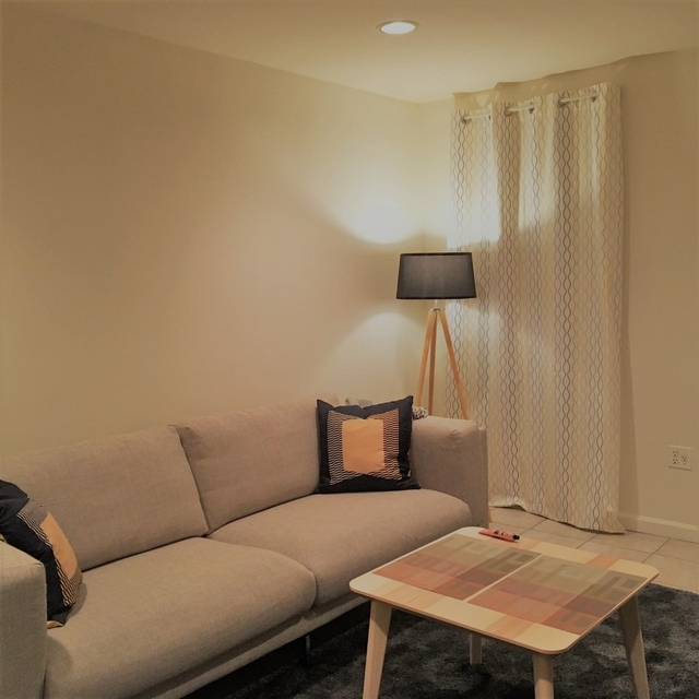2 Bedrooms, Carnegie Hill Rental in NYC for $2,358 - Photo 1