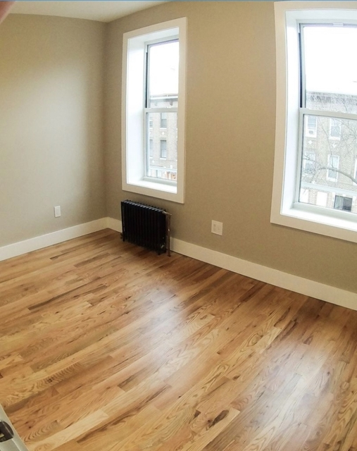 3 Bedrooms, Glendale Rental in NYC for $2,499 - Photo 2