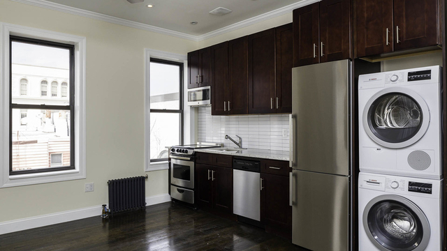 3 Bedrooms, Greenpoint Rental in NYC for $4,308 - Photo 1