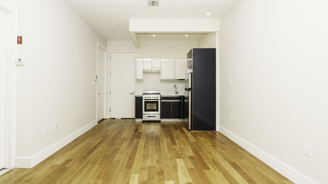 1 Bedroom, Bedford-Stuyvesant Rental in NYC for $2,300 - Photo 2
