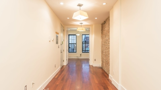 2 Bedrooms, East Williamsburg Rental in NYC for $3,100 - Photo 1