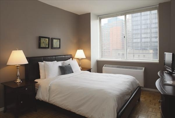 1 Bedroom, Hell's Kitchen Rental in NYC for $4,212 - Photo 2