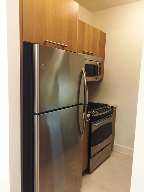 2 Bedrooms, Lincoln Square Rental in NYC for $6,270 - Photo 2