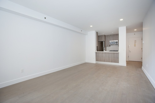2 Bedrooms, Hell's Kitchen Rental in NYC for $5,595 - Photo 2