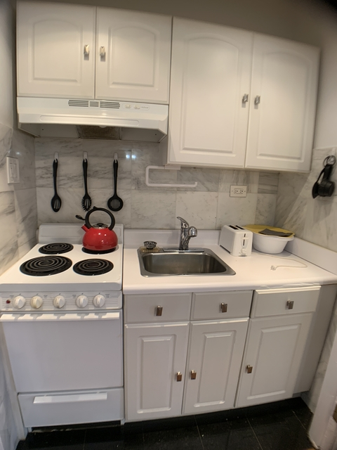 Studio, Lincoln Square Rental in NYC for $3,305 - Photo 2
