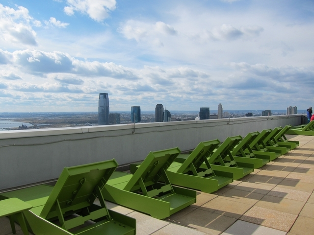 2 Bedrooms, Battery Park City Rental in NYC for $8,100 - Photo 2