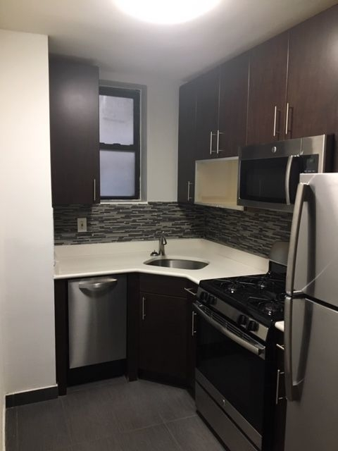 1 Bedroom, Carnegie Hill Rental in NYC for $2,495 - Photo 2