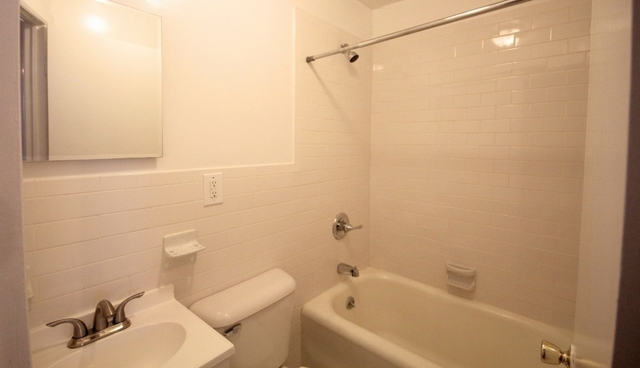 Studio, Theater District Rental in NYC for $2,100 - Photo 2