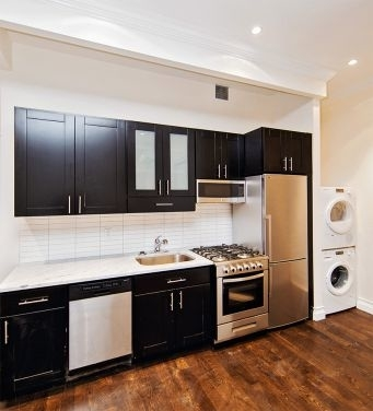 3 Bedrooms, Rose Hill Rental in NYC for $5,684 - Photo 2