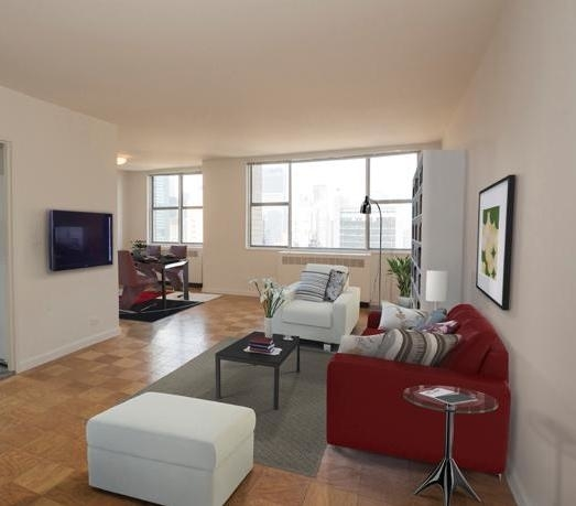 2 Bedrooms, Turtle Bay Rental in NYC for $5,792 - Photo 1