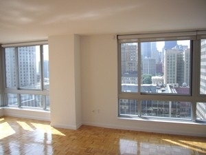 2 Bedrooms, Civic Center Rental in NYC for $3,800 - Photo 1