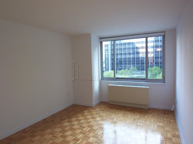 2 Bedrooms, Civic Center Rental in NYC for $5,600 - Photo 2