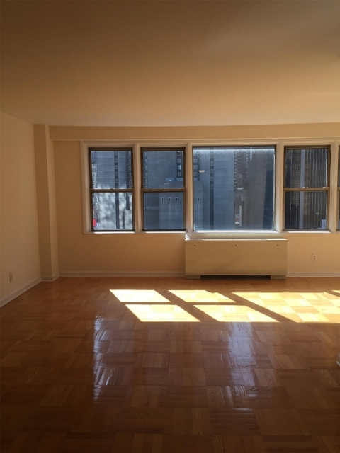 Studio, Hell's Kitchen Rental in NYC for $2,695 - Photo 2