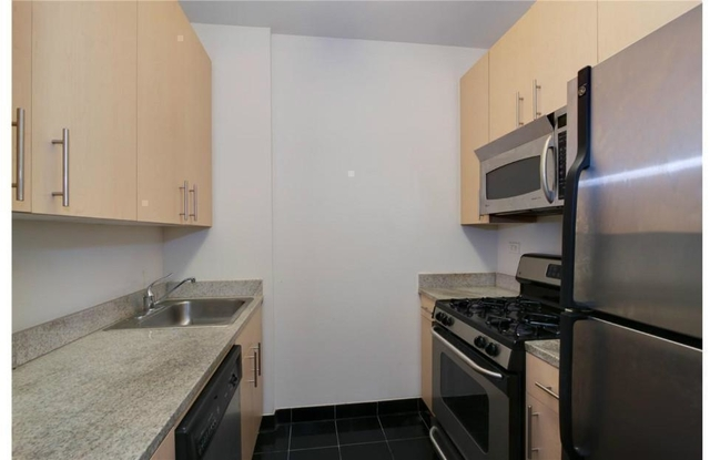 Studio, Financial District Rental in NYC for $2,669 - Photo 2