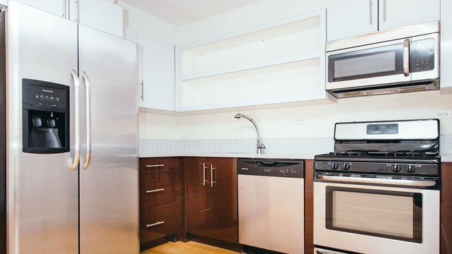 3 Bedrooms, Greenpoint Rental in NYC for $4,400 - Photo 1