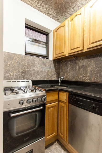 2 Bedrooms, Bowery Rental in NYC for $3,795 - Photo 2